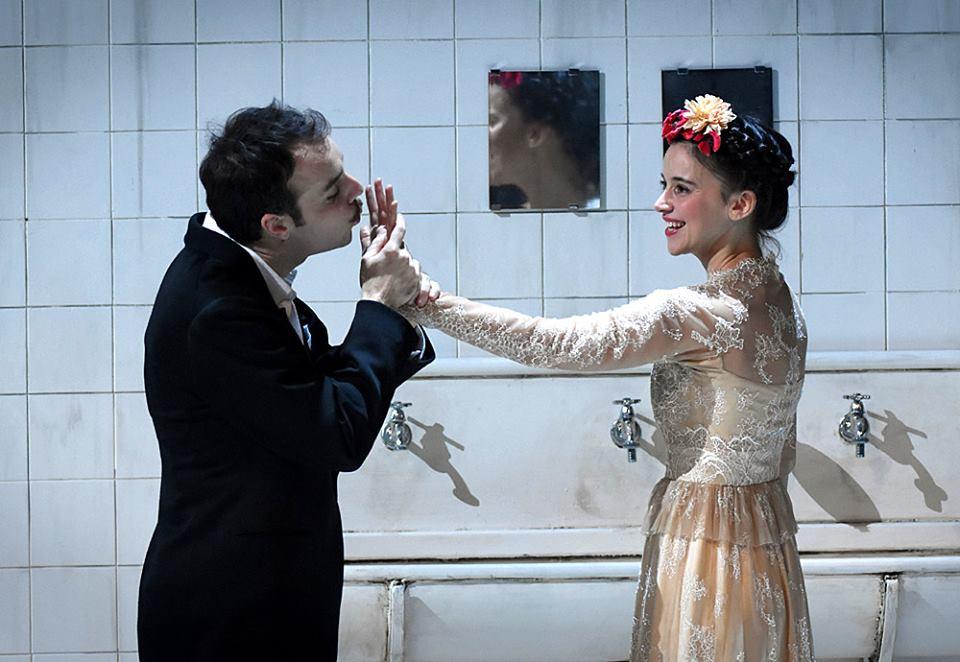 Roméo et Juliette - Jérémy Lopez et Suliane Brahim - Copyrights : Vincent Pontet - Coll. Comédie-Française