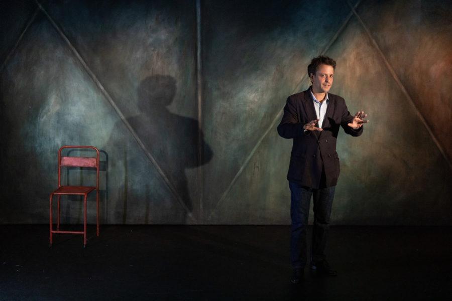 JE NE SUIS PAS MICHEL BOUQUET de Michel Bouquet, d'apres Entretiens avec Charles Berling, mise en scene Damien Bricoteaux au Poche Montparnasse a partir du 4 septembre 2019. Avec : Maxime d'Aboville