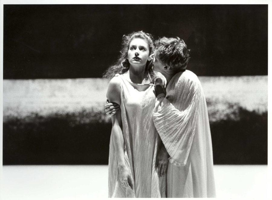 Antigone de Sophocle, mise en scène Marcel Bozonnet, Maison de la Culture de Bourges, Théâtre de la Bastille, 1999.